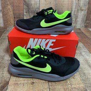 NEW Nike   Air Max Oketo   Black & Green